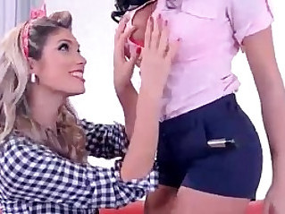 Sex goddess euro pin up girls dildo till orgasmic explosions