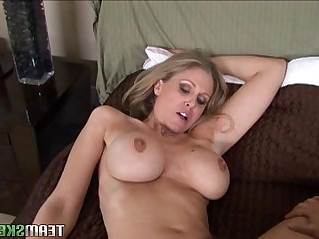 Busty chicks lisa ann and julia ann fucking each other