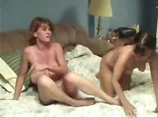 Homemade porno movies, amateur sex clips with lezzies